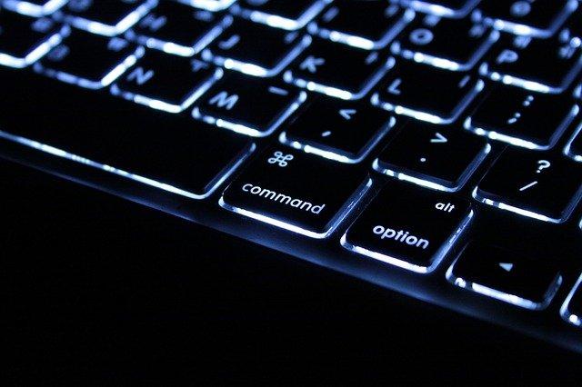 klávesnice detail