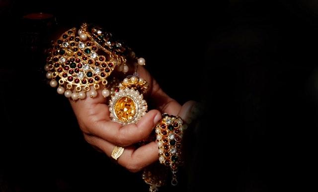 detail na viac šperkov